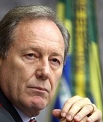 Presidente do STF extingue ação popular que pedia afastamento de Eduardo Cunha