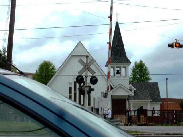 P1090900-2011-04-15-Hapeville-Dogwood-Street-Terminal-Vista-HISTORIC-CHRIST-CHURCH