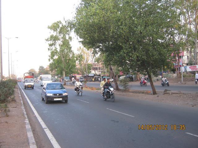 Bangalore Mumbai Highway - Warje Service Road - Visit Suyog Aura Warje Pune 411052