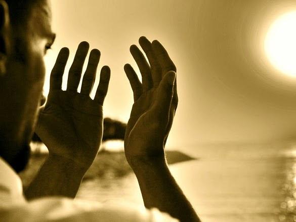 Kenapa Saat Berdoa Menadahkan Tangan, Ini Jawabannya !