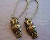 Antique brass retro owl earrings Item 180 - sanddollarwishes