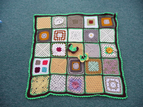 Thanks to 'The Wool Stop' for assembling this Blanket. Thanks to everyone who contributed Squares for this Challenge.