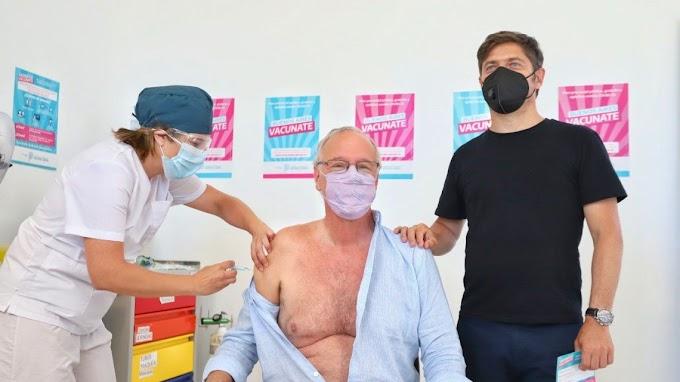 Daniel Gollán recibió la vacuna contra el coronavirus: es el primer argentino mayor de 60 en aplicarse la dosis