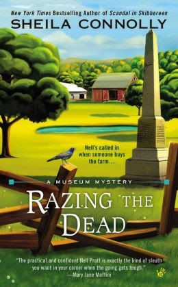 Razing the Dead (Museum Mystery Series #5)