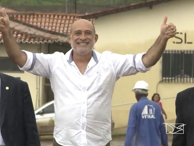 Ribamar Alves deve permanecer por alguns dias em São Luís