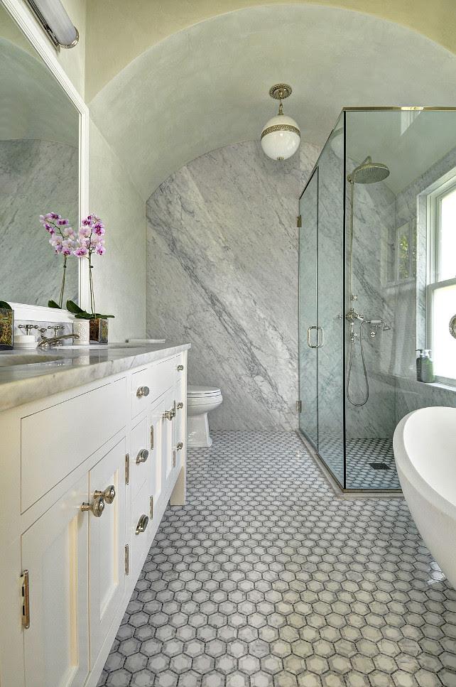 East Hampton Shingle Cottage with Coastal Interiors - Home ...