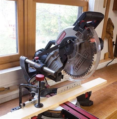 How to Use A Sliding Miter Saw?   Trendingtop5