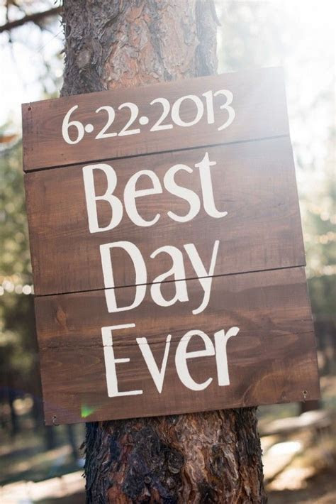 10 Rustic Wedding Sign Ideas   Rustic Wedding Chic