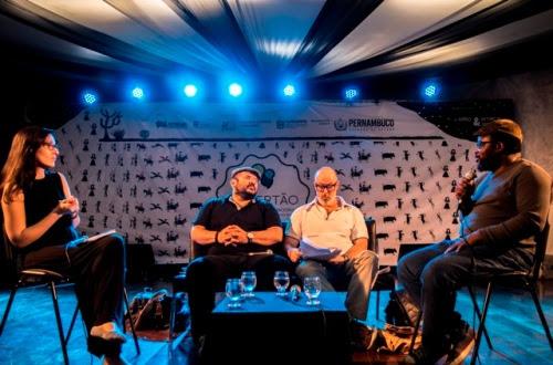Andreia Joana, Alexandre Furtado, Luís Serguilha e Abreu Paxe debatem a lusofonia | Foto: Costa Neto