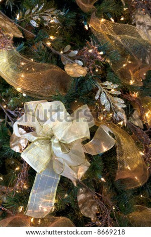 the christmas tree decorations