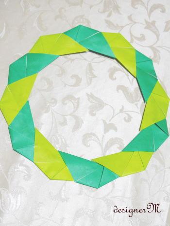 折り紙でリースの作り方 ペーパーアート手作りインテリア