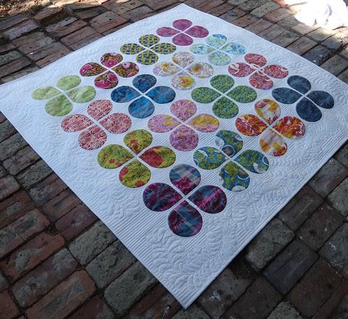 Full quilt on point - Retro Flowers
