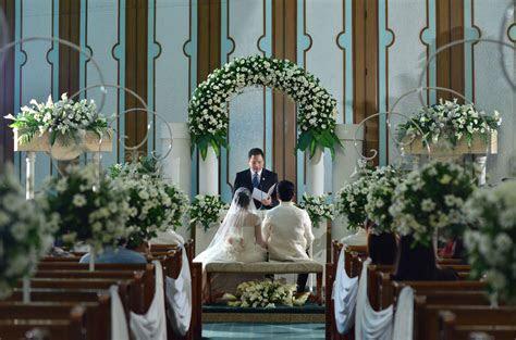 Church flower arrangement    Philippines Wedding