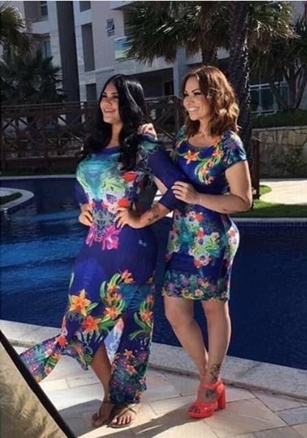 Sabrina e Solange Almeida posando juntas