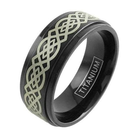 Black Titanium Men's Gorgeous Celtic Knot Wedding Band