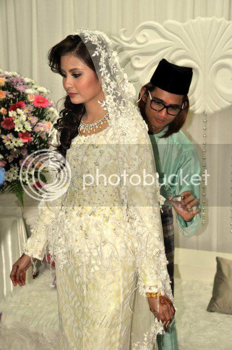 gambar pernikahan tomok dan ayu