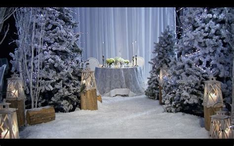 Snow white winter wedding (sweetheart table)  david tutera