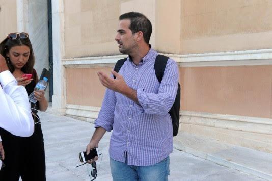 Καρατόμησε τον Σακελλαρίδη ο Τσίπρας! - «Αδυνατώ να συμβάλλω στην υλοποίηση της κυβερνητικής πολιτικής»