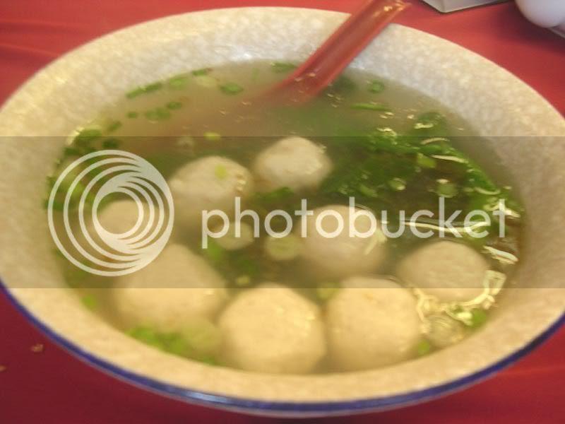 自制鱼丸汤 (Fish Ball Soup)