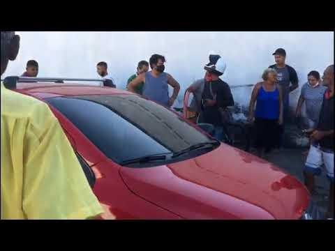 JOVEM EXECUTADO COM VÁRIOS TIROS DENTRO DE UM CARRO