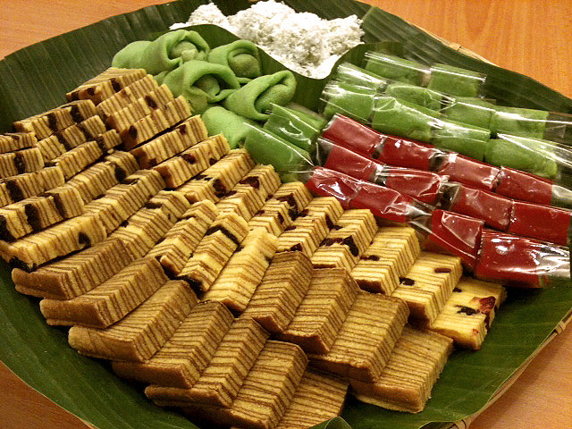 Lovely kuehs including a new cranberry lapis!