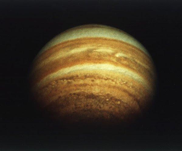 Dec03-1974-Pioneer11_jupiter