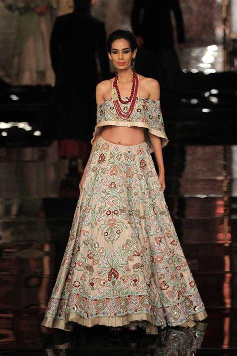 Manish Malhotra's Couture at India Fashion Week 2016   4