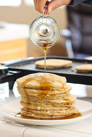 Oatmeal Pancakes - Vegan and non-vegan options