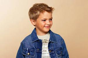 Frisuren Für Kleine Jungs Ideen Von Den Coolen Kinderhaarschnitten