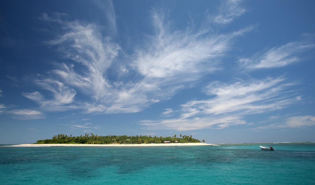 perierga.gr - Tavarua Island: Το νησί της καρδιάς!
