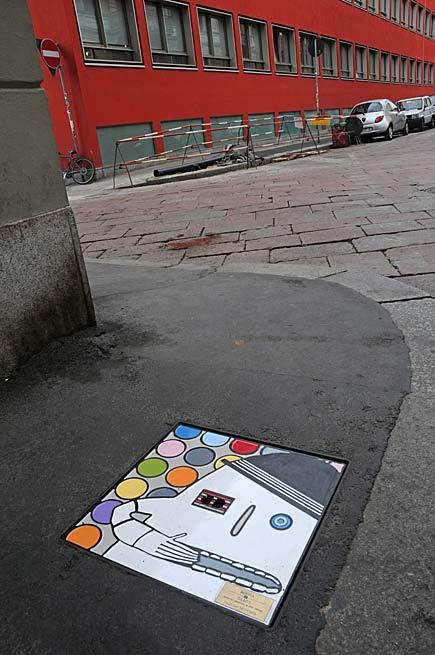 Tombini d'autore, Milano