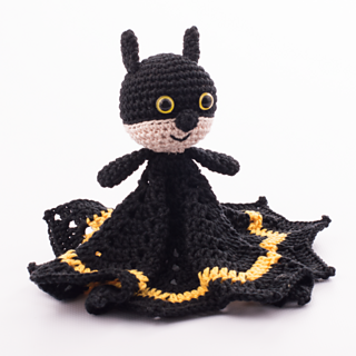 Batmansnuggle01-676x676_small2