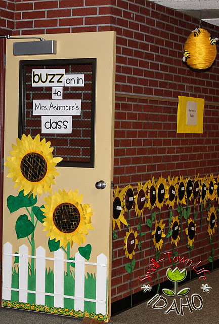 Sunflower Bee Themed Classroom {with freebies}