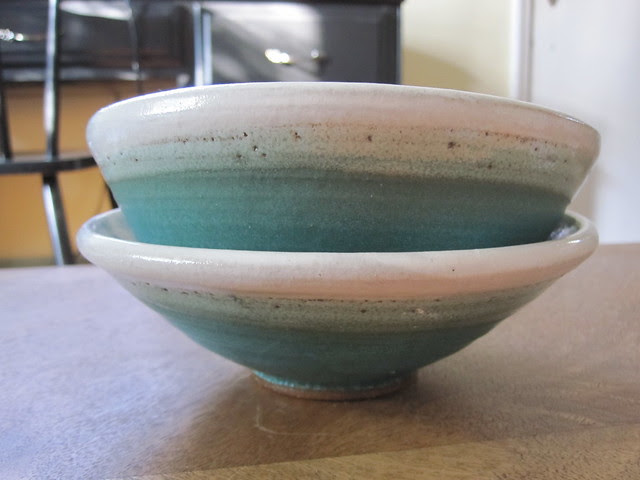 Turquoise/white bowls