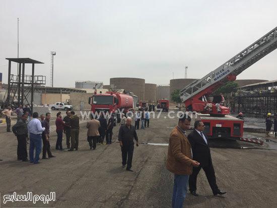 تنفيذ-محاكاة-لإطفاء-حريق-بمستودع-شركة-مصر-للبترول-(1)