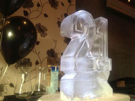 £150 Party Ice Luges   Ice Agency