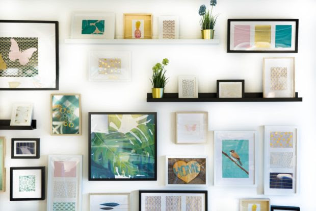 How to Pick the Right Framed Art to Give as a Gift