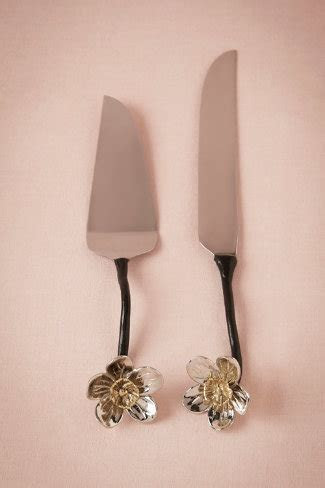 Dogwood Flower Cake Set in Sale Décor at BHLDN