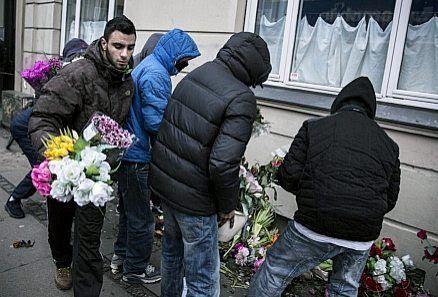 photo omar_el-hussein_mourners_zps5h2kloew.jpg
