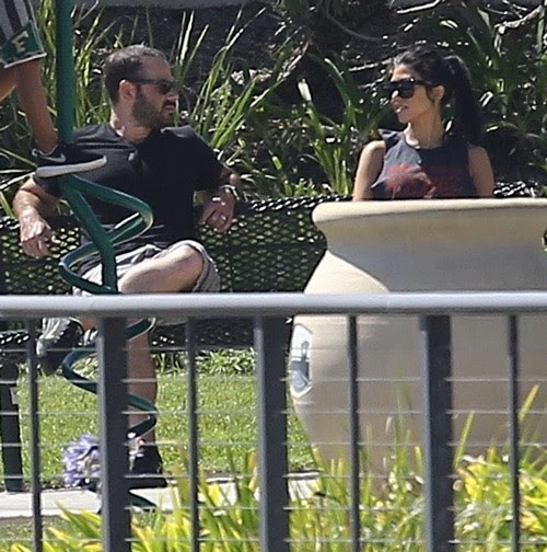 Kourtney Kardashian and Drake Dating Update: Meets With Mystery Man at the Park - New Boyfriend? (PHOTOS)
