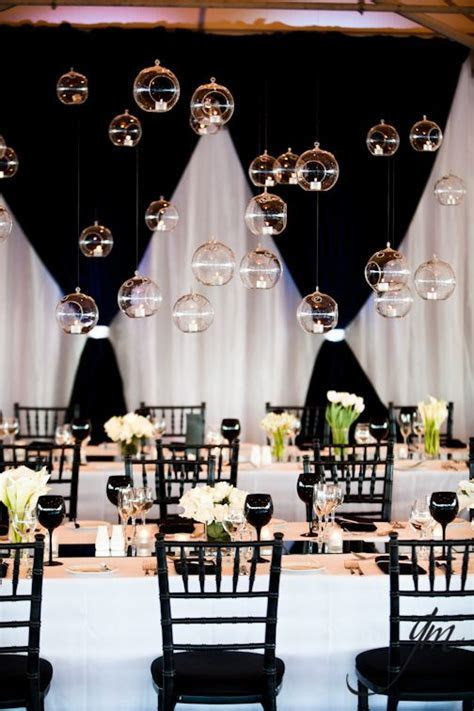 Black and white wedding decorations   massvn.com
