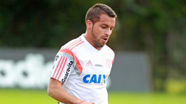 O argentino Canteros, em treino do Flamengo no Ninho do Urubu