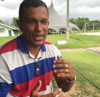 Ex-jogador, pastor Pinudo conta com jogadores para projetos sociais (Foto: Raphael Zarko)