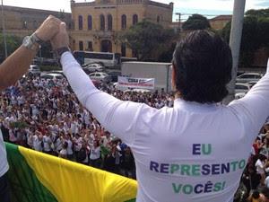 Foto postada no twitter do deputado Marco Feliciano, 'Foto Marcha Pra Jesus - EU REPRESENTO VOCÊS!' (Foto: twitter/marcofeliciano)