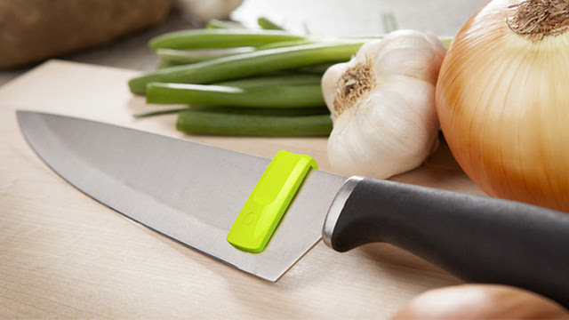 Is This Knife Squeegee the Most Brilliant Kitchen Gadget Ever Created? (YES!)
