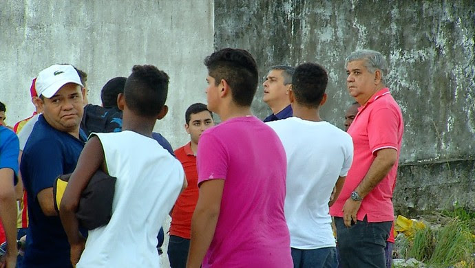 RN - Confusão América-RN protesto torcida presidente Beto Santos (Foto: Reprodução/Inter TV Cabugi)