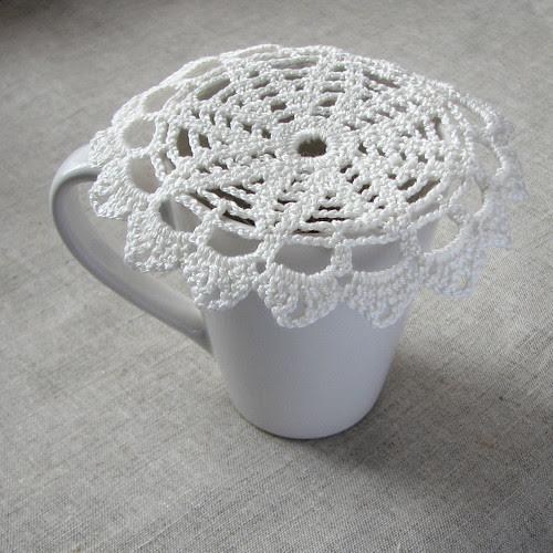 crocheted doily by Lariata