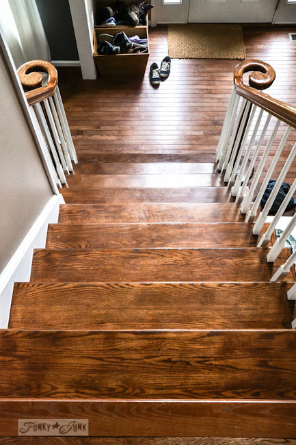 Karen - The Graphics Fairy's interior decorating - wooden stairway steps