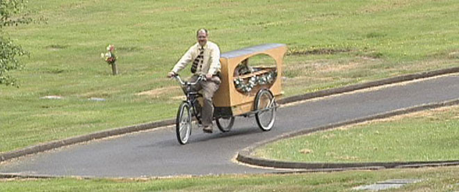 Bicycle hearse offers 'one last ride' to final resting place