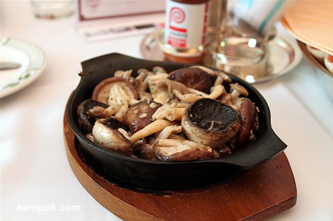 Assorted Mushroom on Hotplate